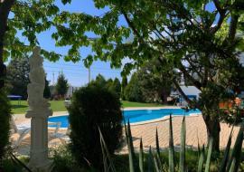 У Елены - Отдых в Крыму Николаевка  гостиница с бассейном